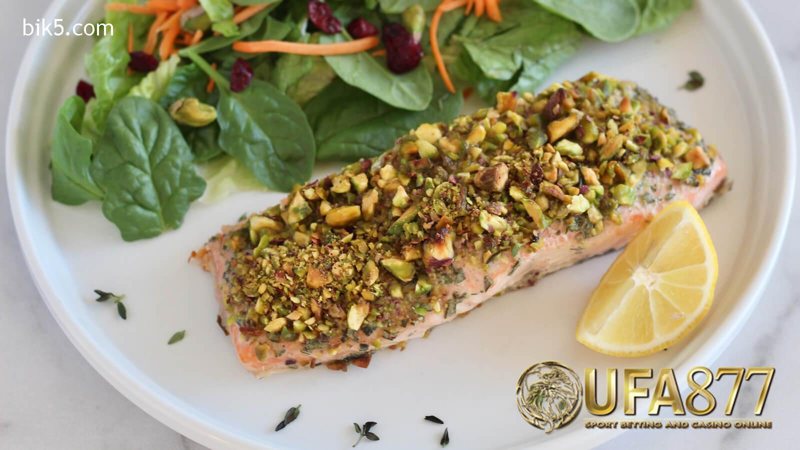 วิธีการทำ Pistachio-crusted salmon