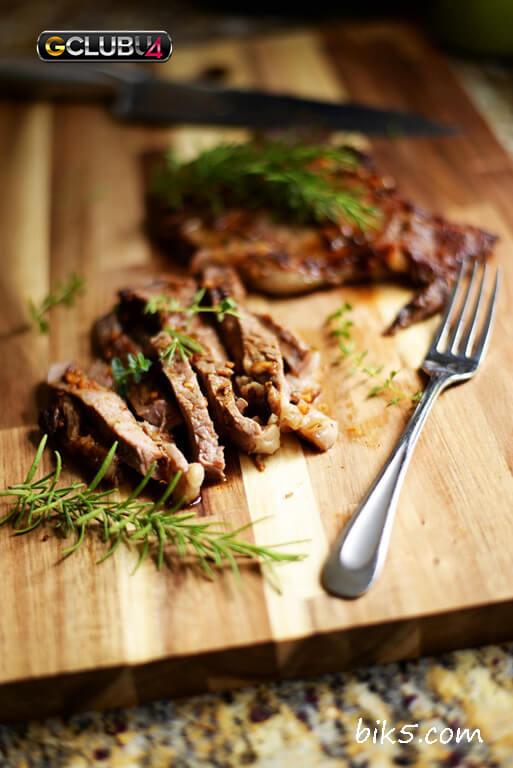 สเต็กเนื้อริบอายหมักกระเทียม
